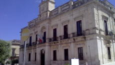 Gioia_del_Colle_-_Palazzo_San_Domenico_-_Municipio
