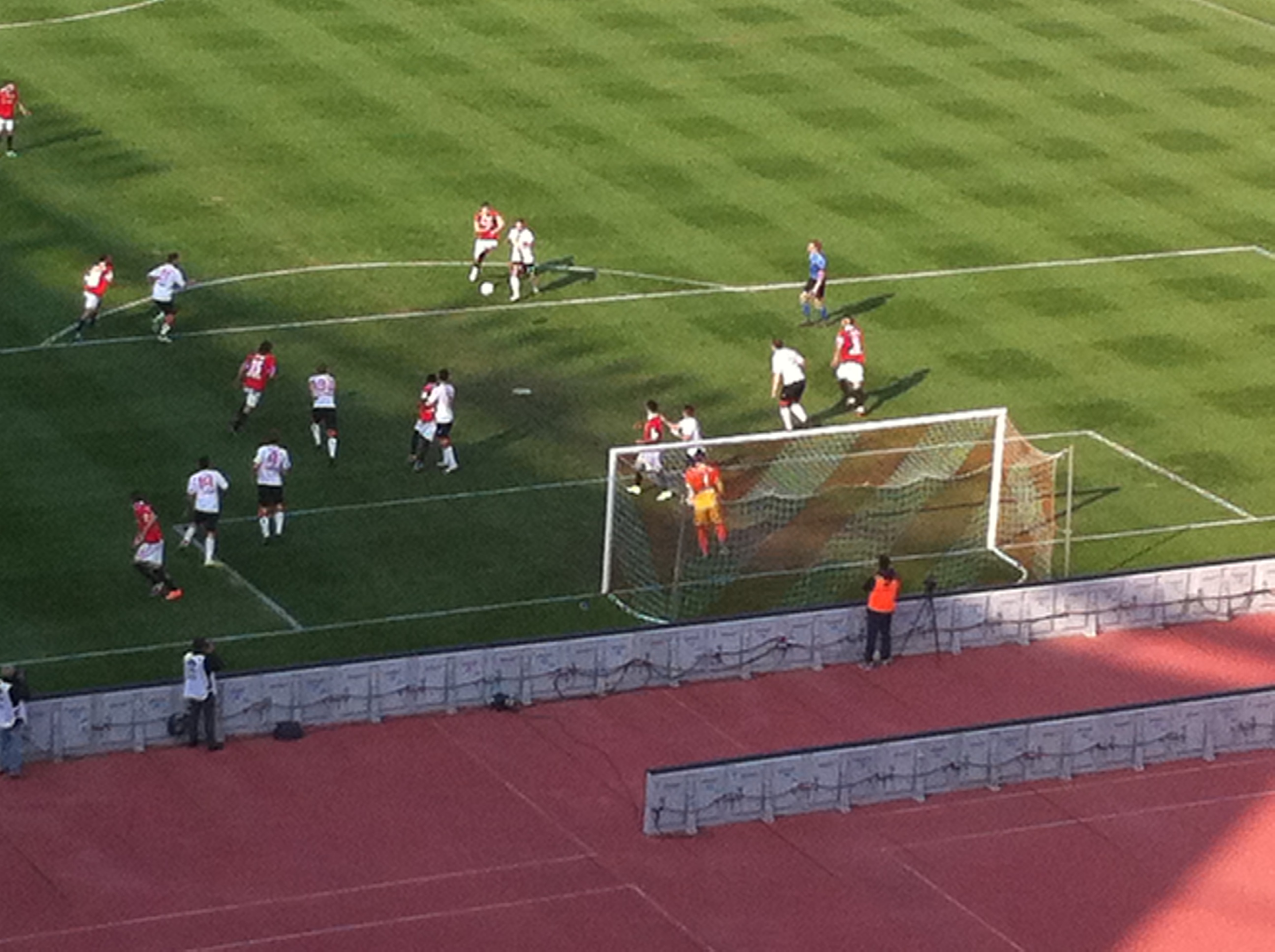 Calcio: Bari-Varese 3-0