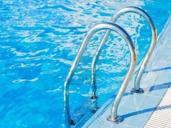 piscina-593x443