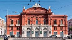 teatro-petruzzelli-bari-690x345